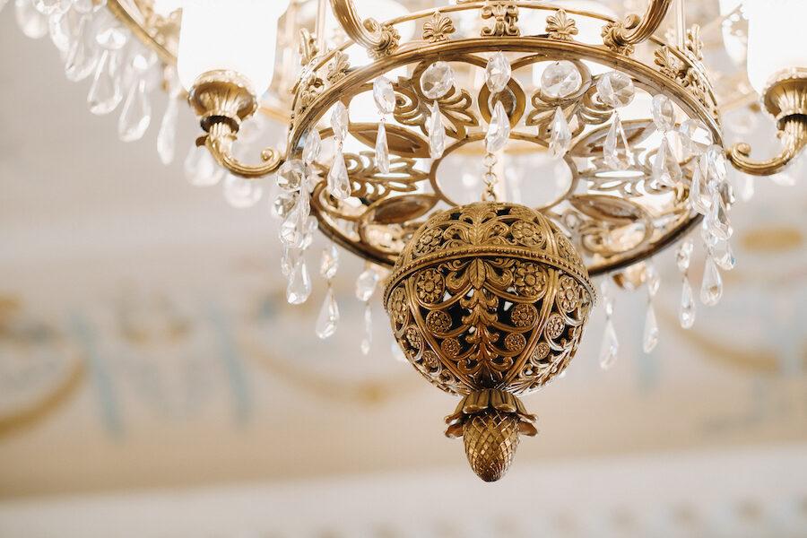 Plafoniere in vetro di Murano: a chi rivolgersi