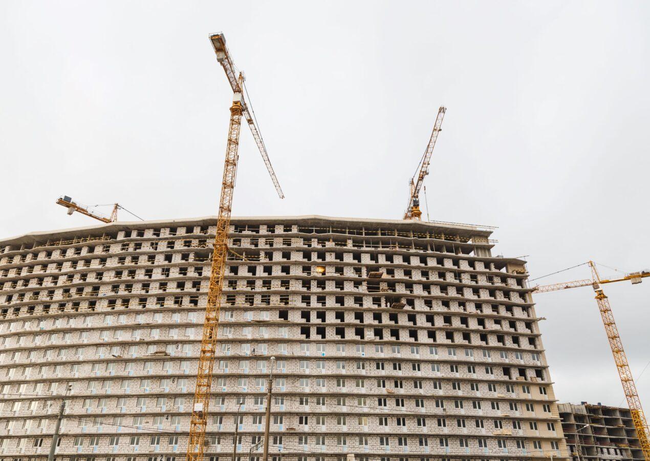 L'edilizia non molla mai: Noleggio Gru Milano